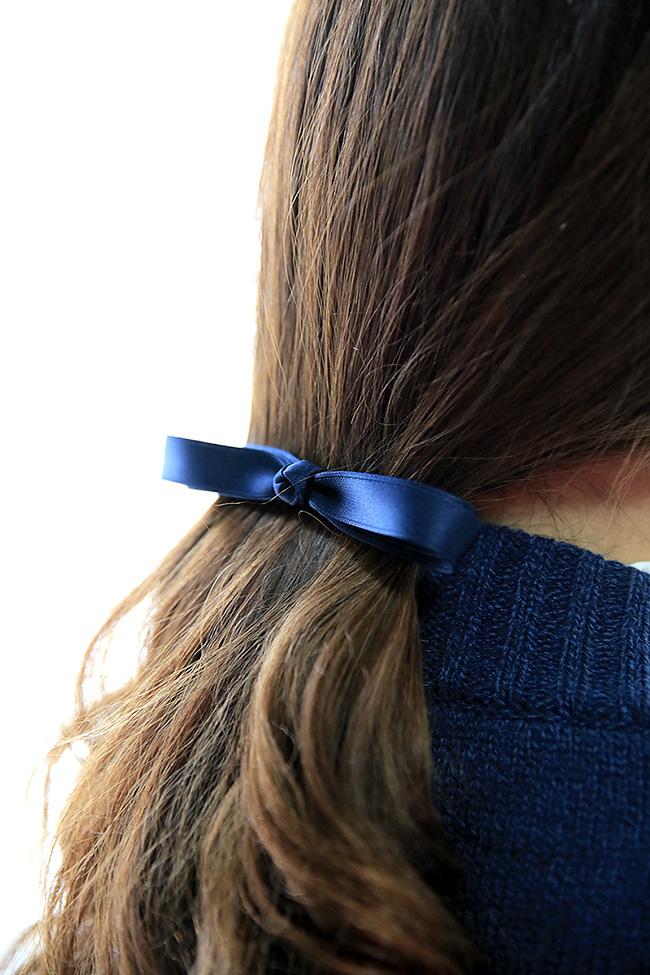 (좋아)끈으로 한번 묶어준 후 착용해주시면 흐트러짐없이 정돈된 형태를 유지해요