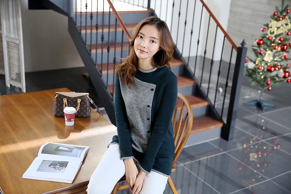 스타일 가득 담은 '컬러배색 반폴라티셔츠'^^
