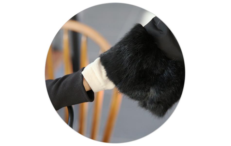 8부 소매로 가녀린 손목을 강조!