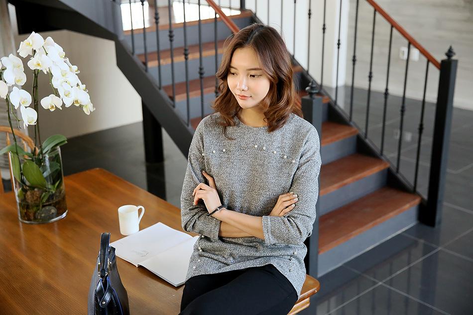 우아한 진주장식이 매력적인 티셔츠 :)