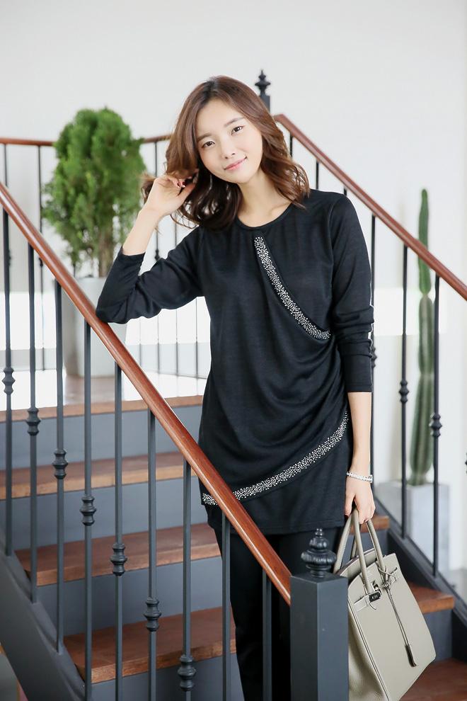 티셔츠 하나만으로 고급스럽고 여신 분위기 연출:)