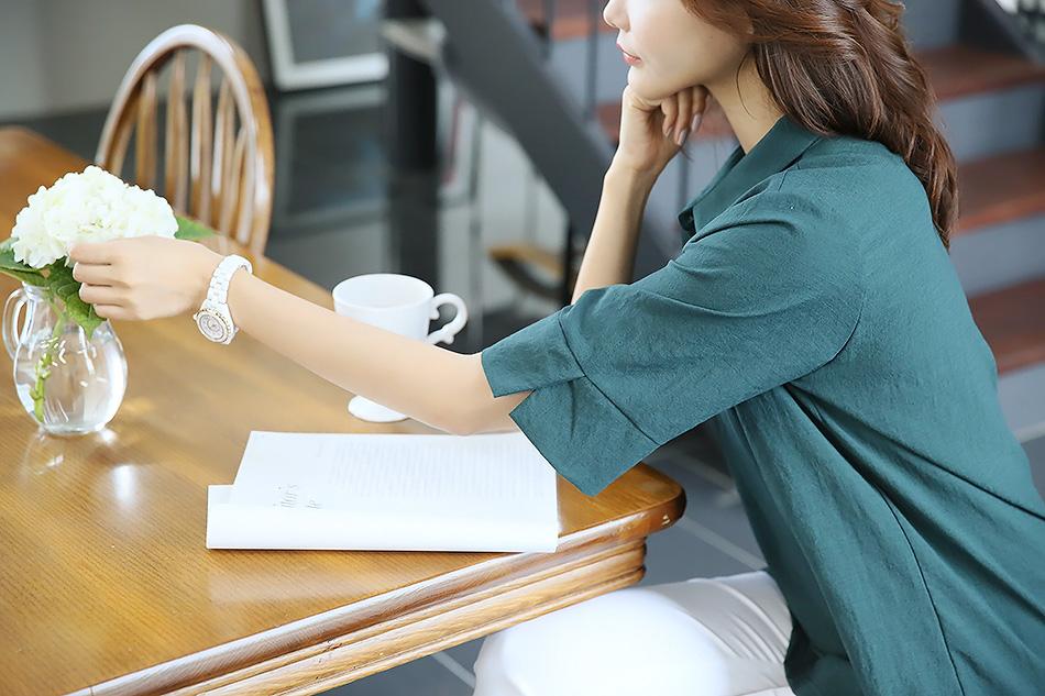소매단 트임으로 활동성 좋아요 :)