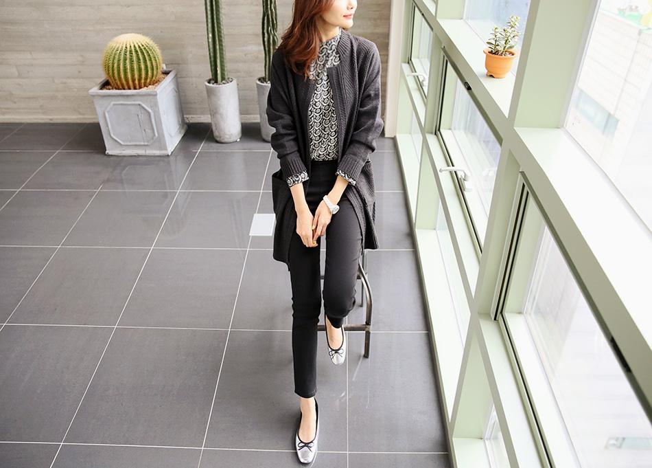 출근복으로도 손색없는 가디건이랍니다 :)