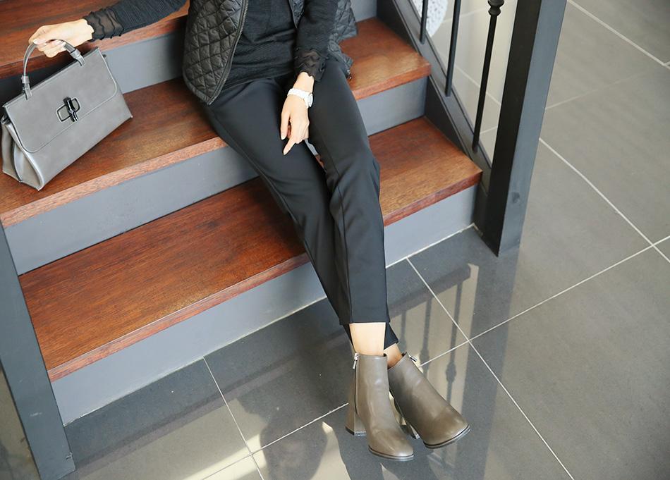 블랙 : 매일 입어도 티안나는 마성의 컬러^^