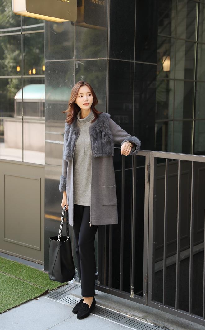 베이직한 디자인과 컬러감으로 이너웨어로 입기 좋아요.
