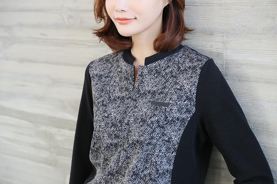 정장룩으로 입기 좋은 티셔츠 :)