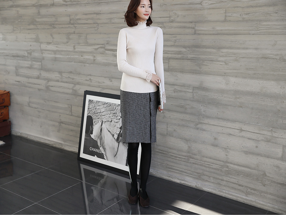 출근복으로도 손색없는 여성스러운 디자인.