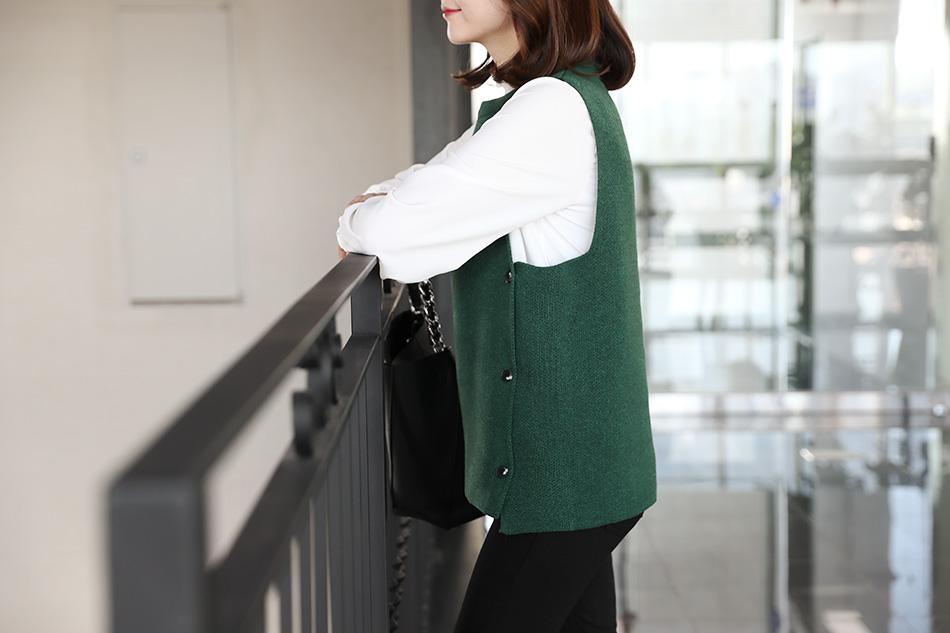 베이직한 디자인으로 두루두루 입기좋은 니트 조끼 (마음)