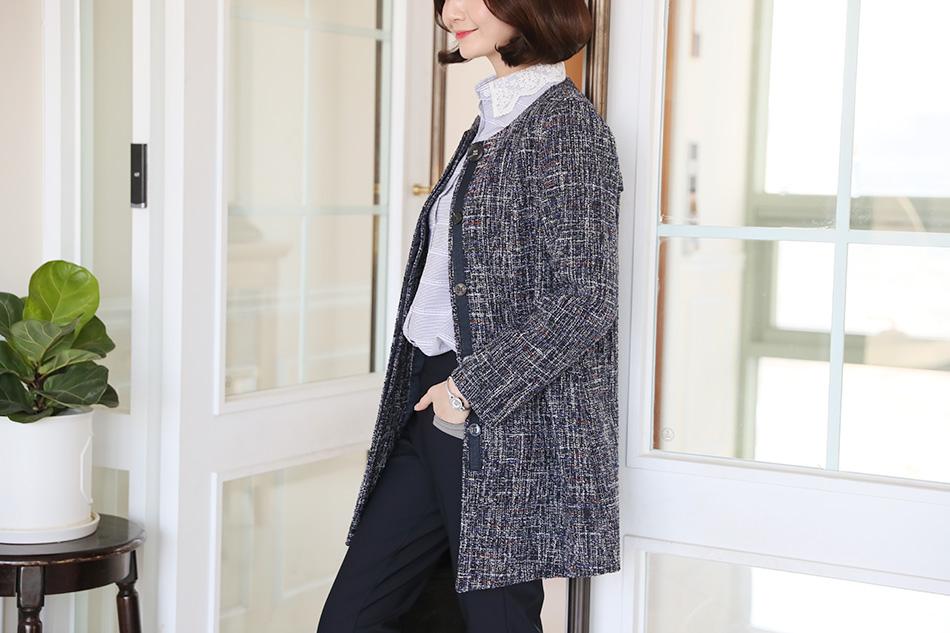 코트는 두껍고 자켓은 얇은 듯한 애매한 3월 날씨