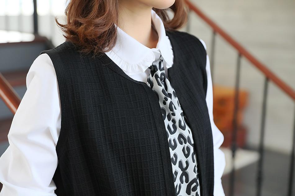 독특한 체크무늬 엠보싱 원단