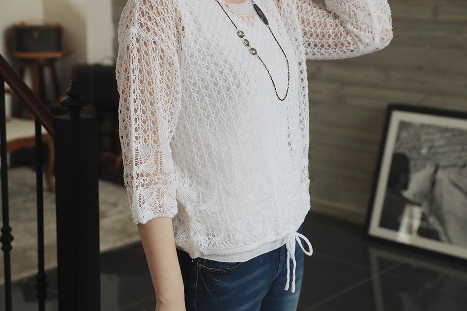 구멍이 송송~ 여름에 시원하게 입기 좋아요!