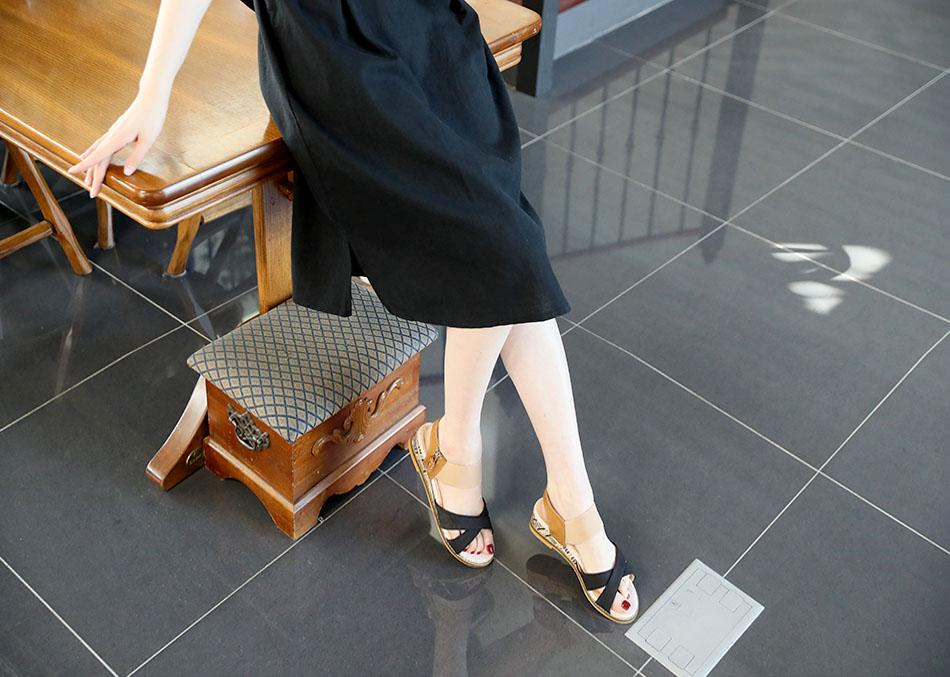 무릎을 덮어주는 기장감!