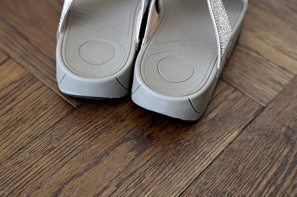 발을 편안하게 해주는 밑창과 굽...