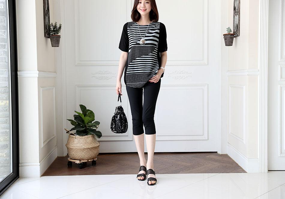 날씬한 핏으로 슬림해보이는 효과를 주는 티셔츠 :)
