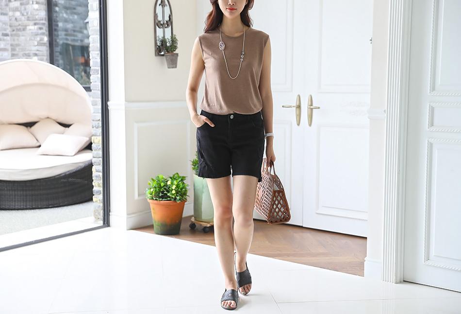 더운 여름에도 답답함 없이 입을 수 있는 데님팬츠!