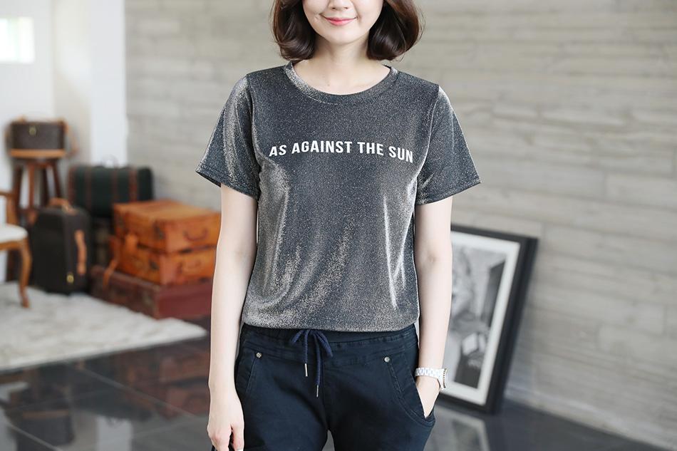 반짝이는 펄감이 매력적인 티셔츠 :)