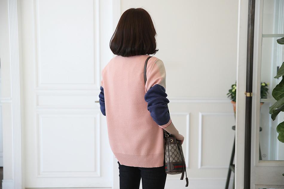 뒷면기준 핑크 컬러 : )