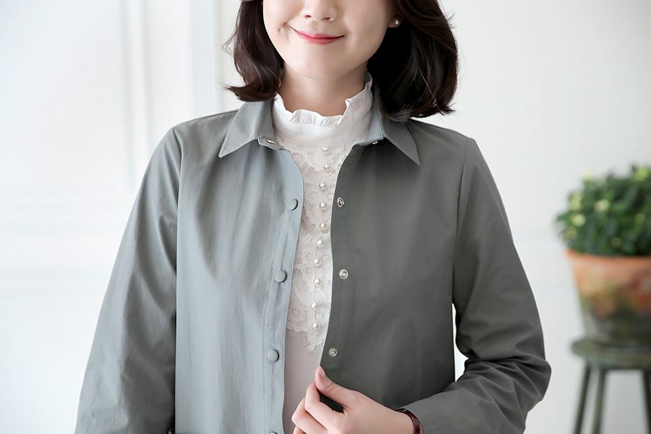 워낙 러블리한 블라우스라 심플한 자켓과 코디해도 예뻐요 ^^