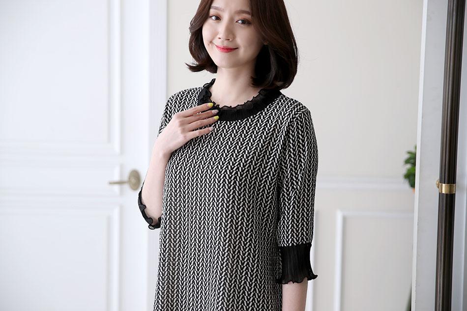 네크라인, 소매단 쉬폰프릴장식 >.<(예뻐)