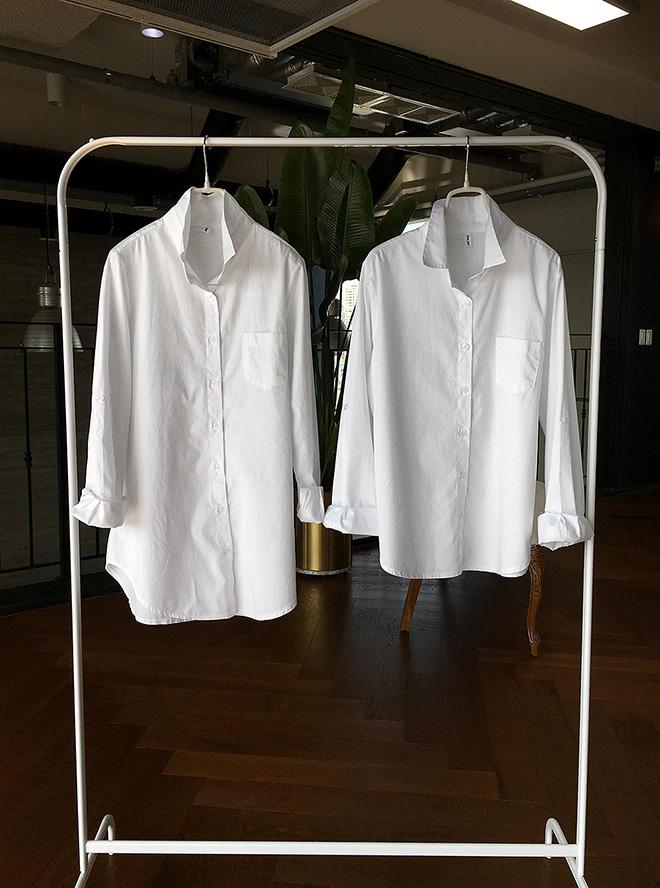 오른쪽 짧은 셔츠가 '데이바이데이 화이트셔츠'<br>기장이 다른 두가지 셔츠 비교해주세요 ^^