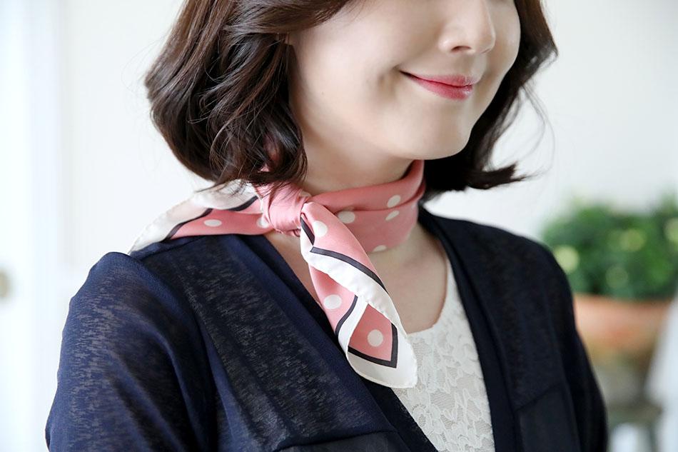 동안룩의 완성 도트스카프 ♥