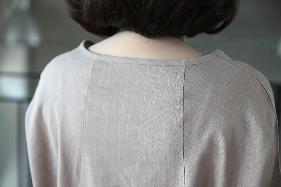 슬림해보이는 뒷면의 절개라인 (윙크)