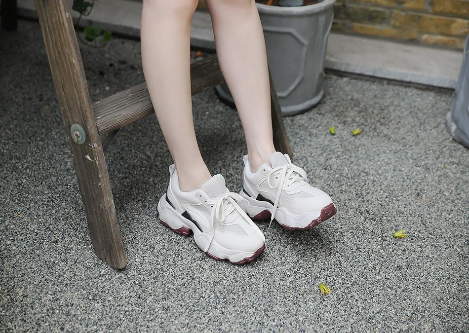 귀여운 디자인으로 발이 작아보여요 ^.^