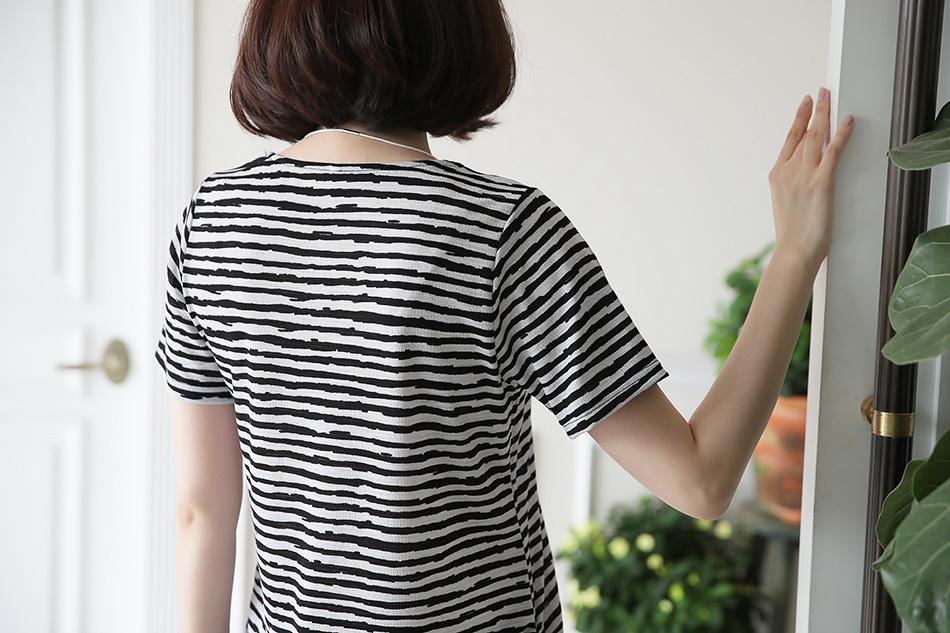 실용만점 데일리 티셔츠 : )(인사)