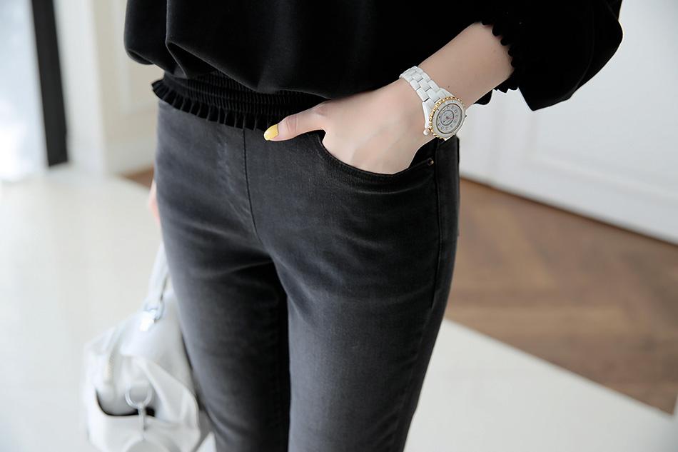 깔끔하게 입을 수 있는 컬러랍니다 ^ ^