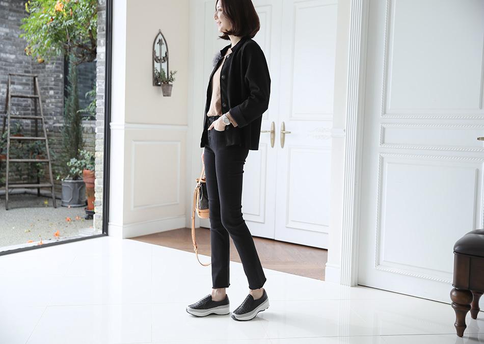 날씬해보이는 블랙 컬러 : )