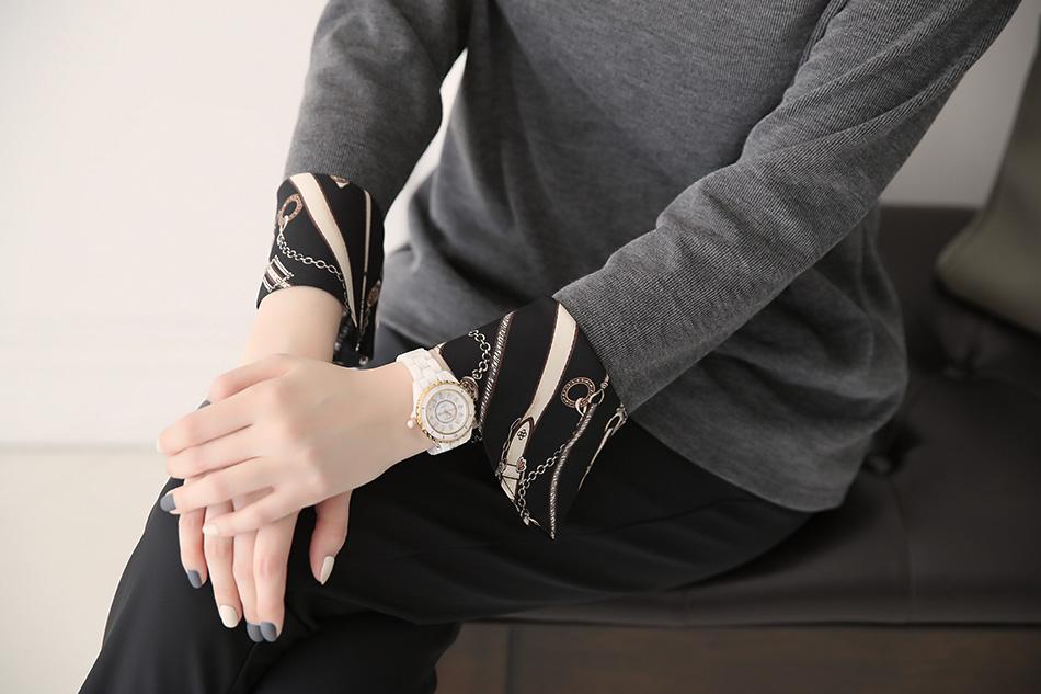 여성미 뿜뿜한 손목라인 (예뻐)