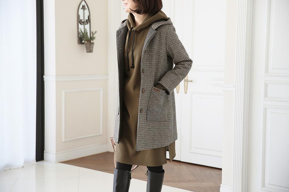 교복에도 어울리는 깔끔한 코트에요^^