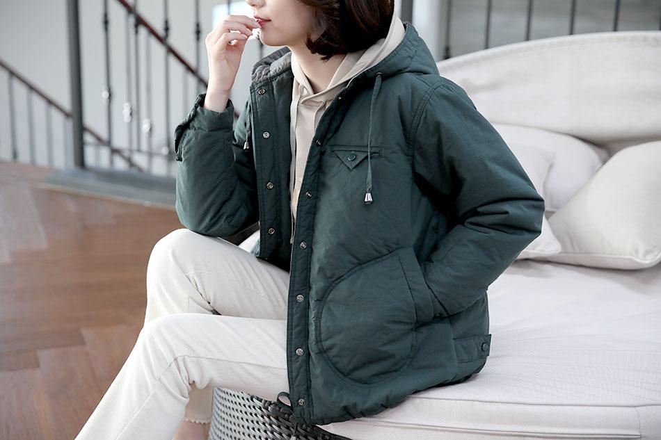 가벼운 무게감으로 편하게 입기 좋은 야상점퍼 ^^