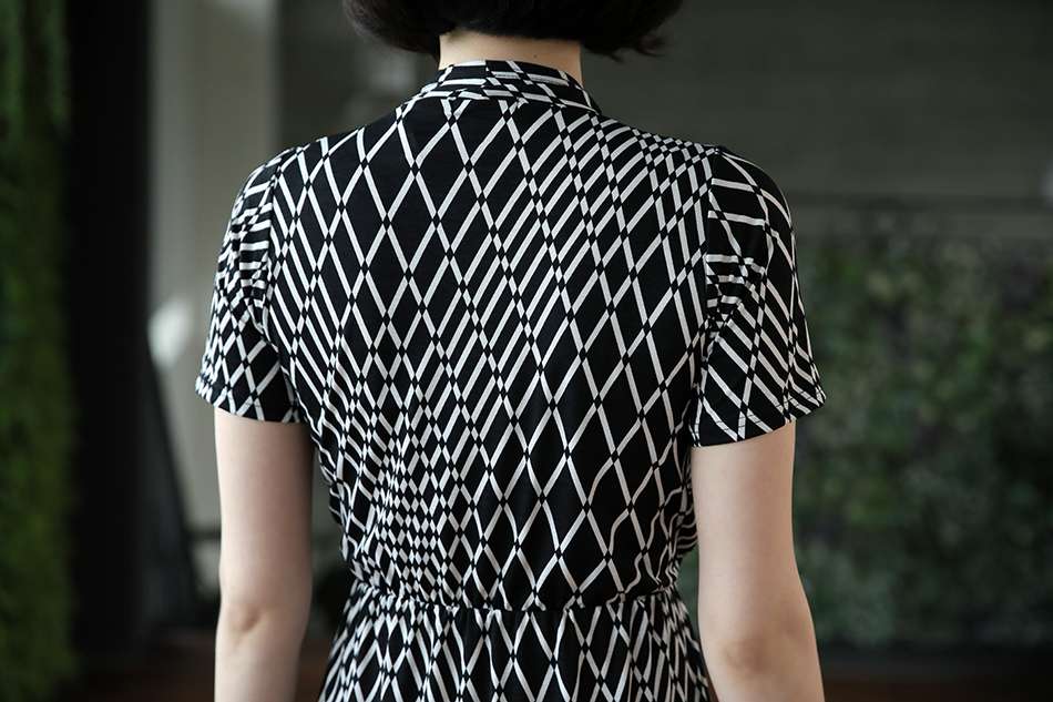 다이아몬드 패턴으로 날씬해보여요(슬림)