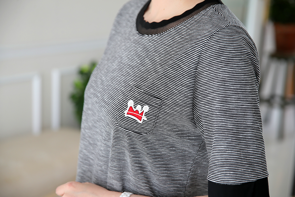 잔잔한 스트라이프 패턴의 티셔츠~