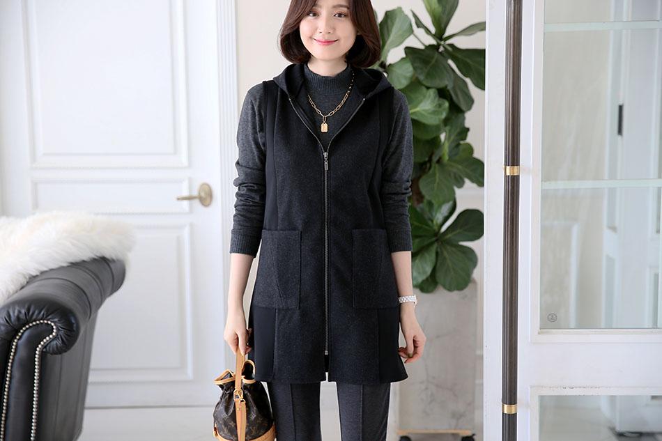 허벅지를 덮는 여유있는 기장감의 후드조끼 ^ ^