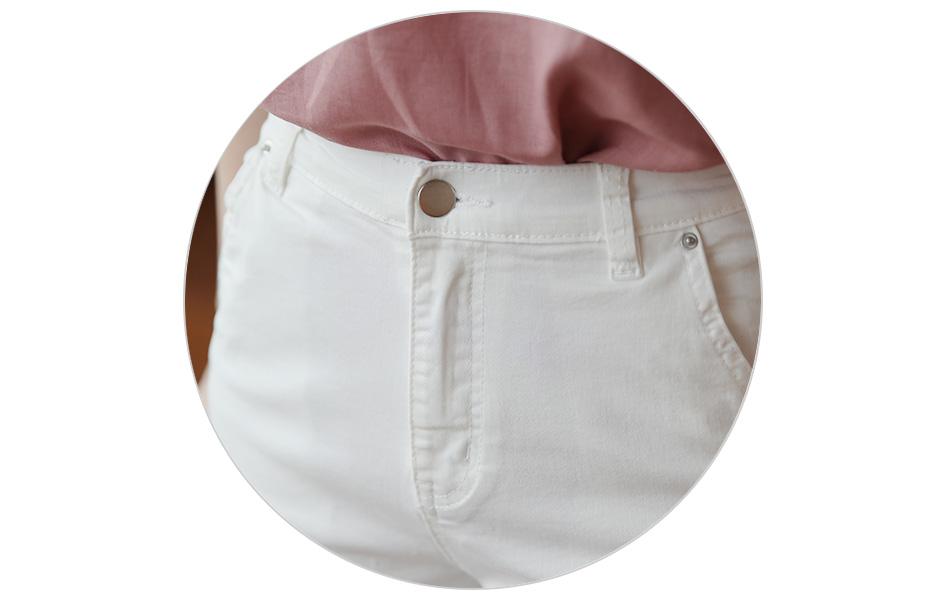 단추 여밈의 깔끔한 허리라인