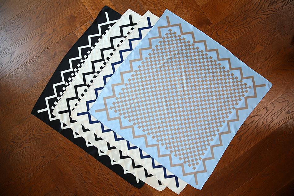 베이직한 고방체크 패턴의 사각스카프 ^ ^